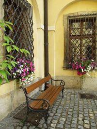 Zákoutí s lavičkou