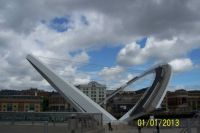 Gateshead Millennium Bridge (open)