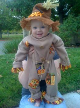 the cutest scarecrow