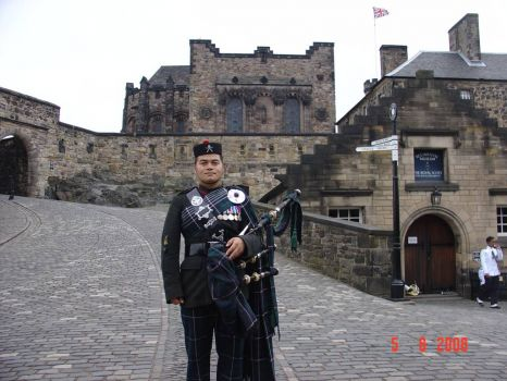 Gurkhapiper at Edinburgh Tattoo