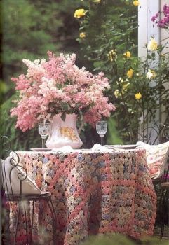 Pretty Pink Flowers & matching Tablecloth