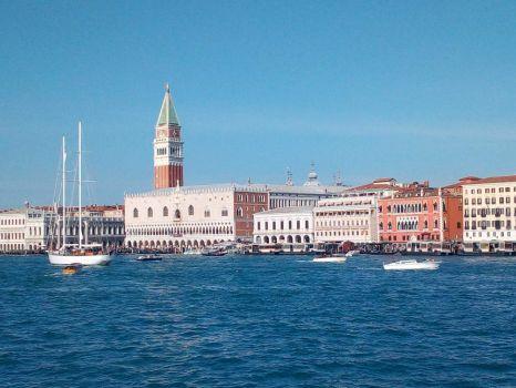 Venice: Prepare for landing