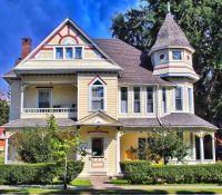 Lovely, well-kept Victorian home
