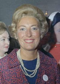 British wartime singer and actress Vera Lynn dies at age 103