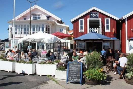 Restaurants in Smögen, Sweden, by Bart & Co (flickr)