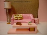 Barbie coffee table in pink and gold