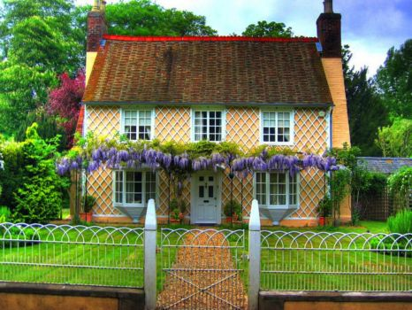 Pretty Welsh Cottage