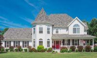 Victorian mansion in Marysville, MI