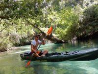 Kayaking on the Weeki Wachee Springs River