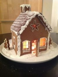 gingerbread house by Dilys Thompson