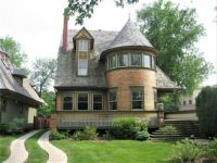 Frank Lloyd Wright Queen Anne style, Illinois