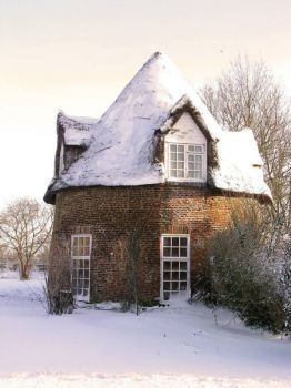 An English Winter - The Round House, Little Thetford, Ely, Cambridgeshire